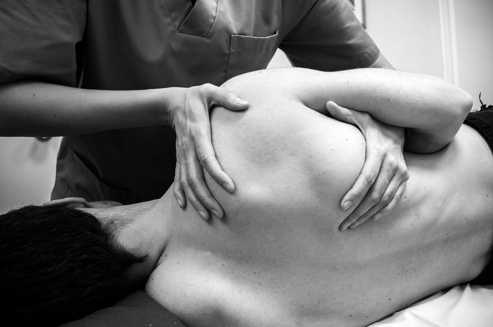 Masaje lesiones deportivas Clínica Abla